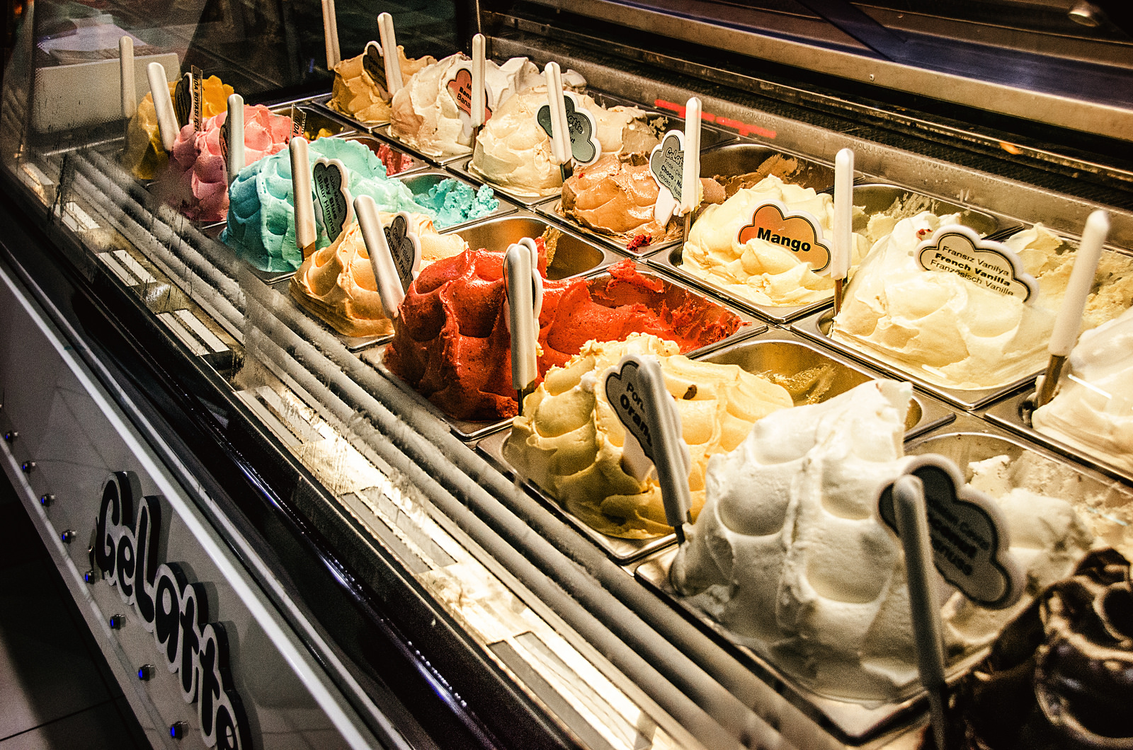 A photo of the ice cream display at GeLatte in Antalya.