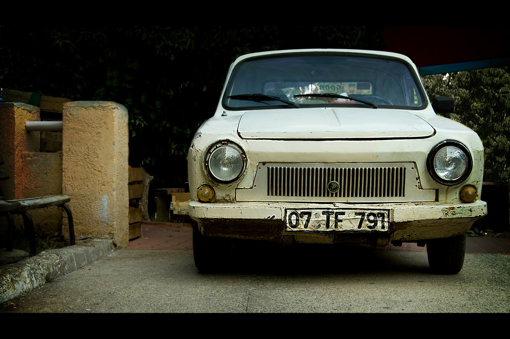 A photo of a classic Turkish car in Antalya.